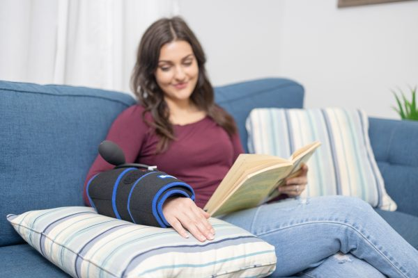 Hand & Wrist Ice Wrap with Compression & 2 Ice Gel Packs - Helps with Wrist Pain, Carpal Tunnel, Swelling & Much More - SimplyJnJ
